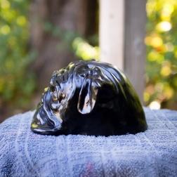 bookshelf pug statue black (5 of 9)
