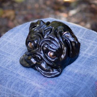 bookshelf pug statue black (8 of 9)